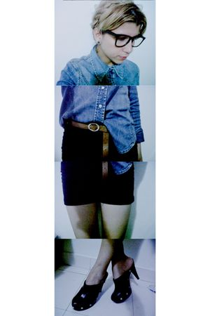 blue shirt - black Atmosphere shorts - brown belt - black Carolina Cruz clogs -