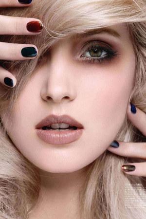 nails ring
