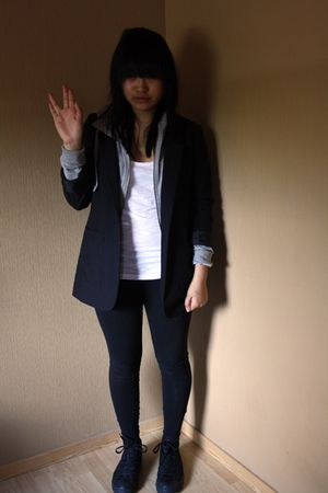 hm top - Converse shoes - nike sweater - black hm blazer