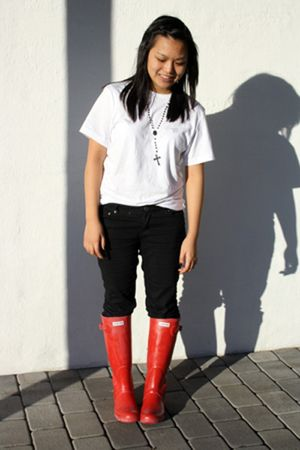 red Hunter - white t-shirt - black pants