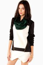 StyleMoca sweatshirt