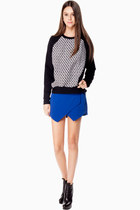 StyleMoca Sweatshirts