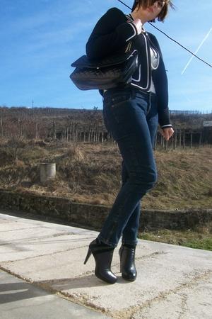 black vintage blazer - white vintage top - black Patrizia rigotti boots - black