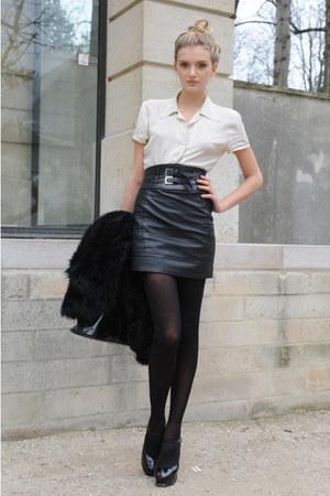 фото девушек в кожаных мини юбках