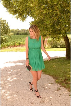 black stack Bershka bracelet - green pleated Bik Bok dress