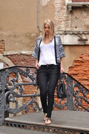 black Zara jeans - black kimono Sheinside jacket - black Carpisa bag