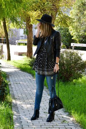 black ankle boots Stradivarius boots - Zara dress - black Stradivarius jeans