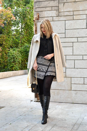 cream wrap H&M skirt - cream H&M coat - black Zara bag