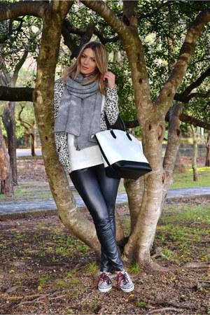 leopard print Bershka sneakers - white Bershka sweater