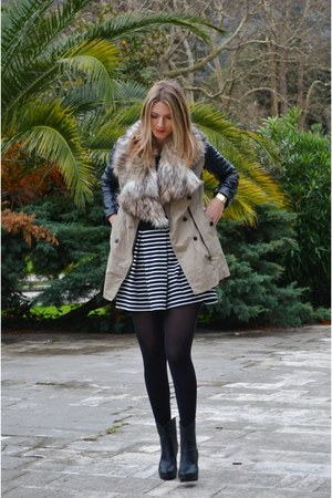 New Yorker coat - beige faxu fur asos scarf - stripes River Island skirt