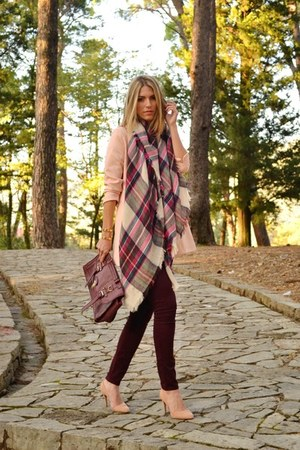 crimson plaid Stradivarius scarf - peach Stradivarius coat