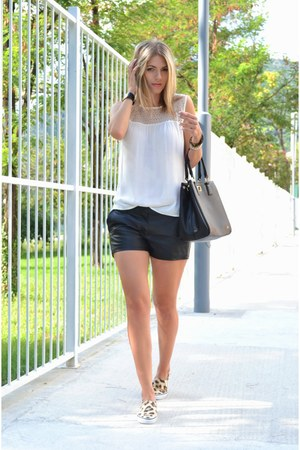 white Zara top - black Carpisa bag - black leather look Terranova shorts