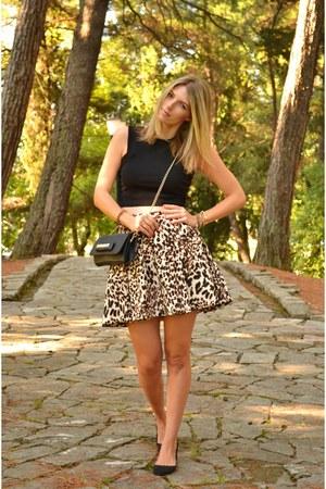 camel leopard print Zara skirt - black Aldo flats - black crop pull&bear top