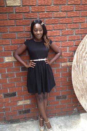 black cotton dress Forever 21 belt