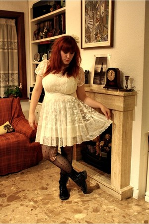 black doc martens Cache Cache boots - white lace dress Topshop dress - black pol