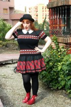 black vintage vintage sweater - ruby red wellies Melissa boots
