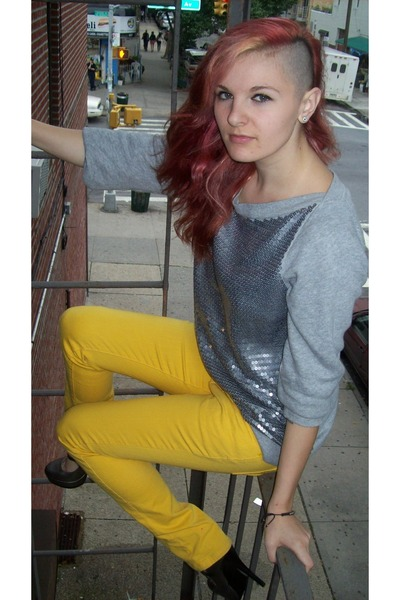 Silver Ann Taylor Loft Sweaters Yellow Rue 21 Pants Tell Me