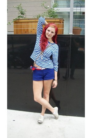 red as belt thrifted vintage scarf - blue Forever 21 shorts - ivory cg flats - b