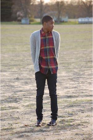 vintage shirt - Charles & 12 cardigan - Levis jeans - bostonian shoes