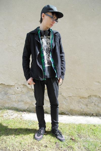 black TUK boots - black Denim Co jeans - black etnies hat - black Gate jacket