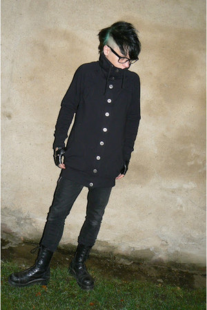 black Invader boots - black Denim Co jeans - black New Yorker jacket