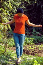 turquoise blue polka dot jeans - carrot orange Old Navy t-shirt