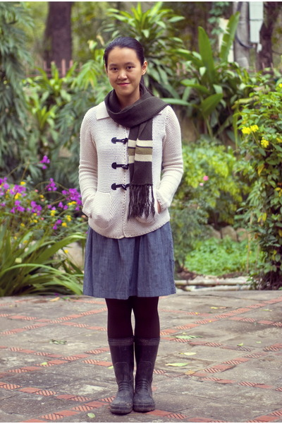 ivory thrifted cardigan - black wellington boots - heather gray modcloth dress