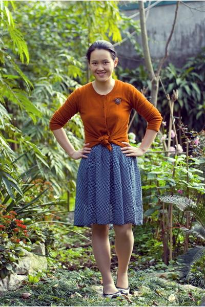navy polka dot vintage skirt - burnt orange Target cardigan