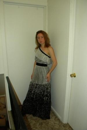 gray Bebe dress