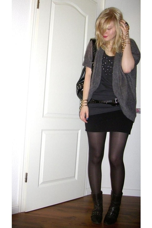 gray H&amp;M cardigan - black H&amp;M skirt - black Tamaris shoes