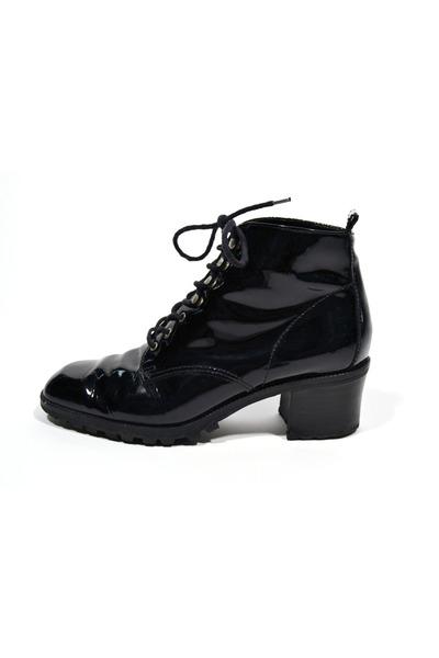 black Saltwater Gypsy Vintage boots
