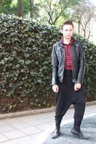red Zara shirt - black erresiete ring - black harem American Apparel pants