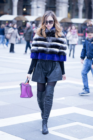 fur chinchilla Samantha De Reviziis cape - strategia boots