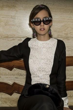 fur Carlo Ramello purse - lace Samantha De Reviziis dress
