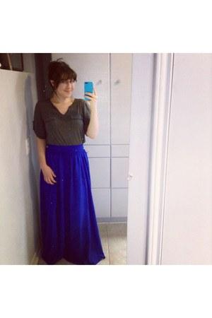 blue Anthropologie skirt - gray shirt