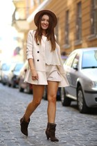 Jessica Buurman boots