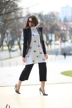 choiescom dress - Minimum blazer - Jessica Buurman heels