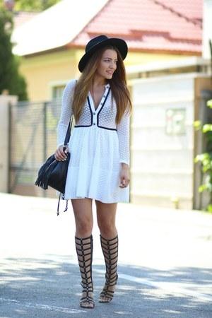 Romwecom dress - choiescom sandals