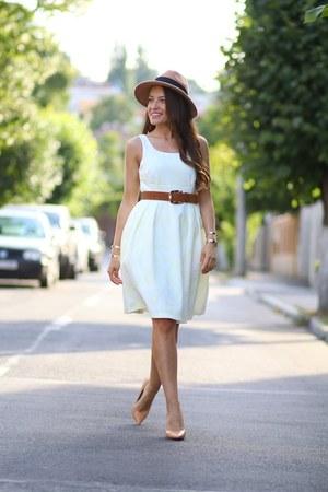 Romwecom dress - Zara heels - H&M accessories