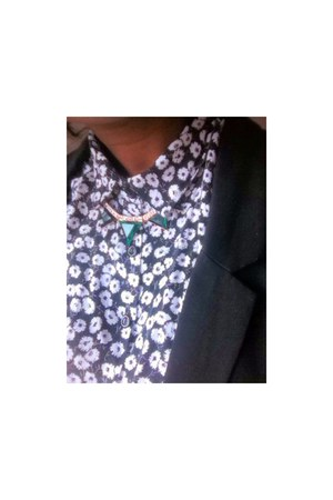black floral print Primark blouse - green new look accessories