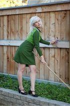 green vintage dress - black vintage shoes - silver handmade accessories
