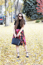 Black-epi-leather-louis-vuitton-bag-black-the-row-sunglasses