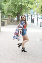flannel vintage shirt - leather shoemint boots - blue denim shorts Levis shorts