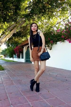 black Gillio boots - black Forever 21 bag - brown romwe skirt - black romwe top
