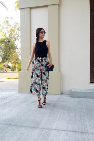 Zara bag - Vogue eye wear sunglasses - Stradivarius pants