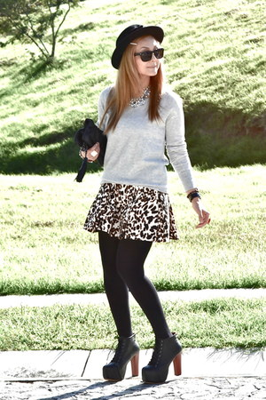 Zara skirt - Jeffrey Campbell boots - Bershka bag