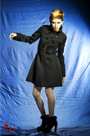 black boots - black coat