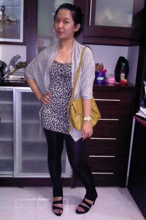 leggings - cardigan - top - shoes - accessories