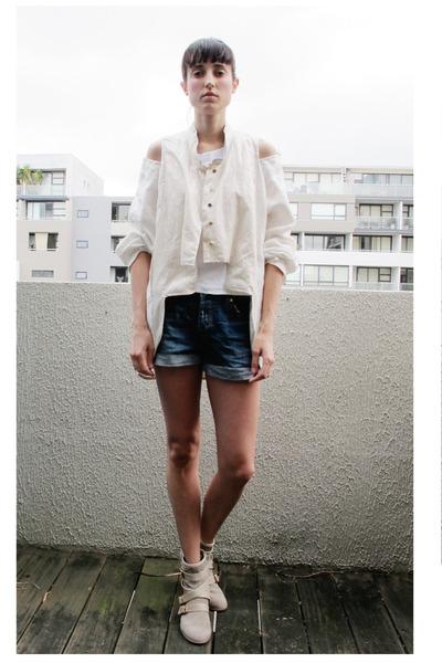 River Island boots - sev jacket - Bershka shorts