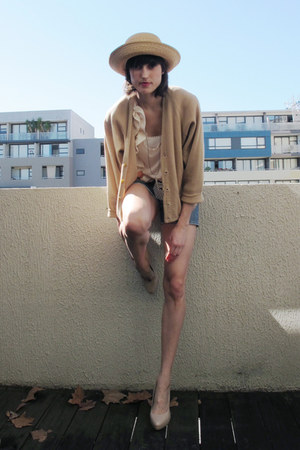 woollen thrifted vintage cardigan - denim Zara shorts